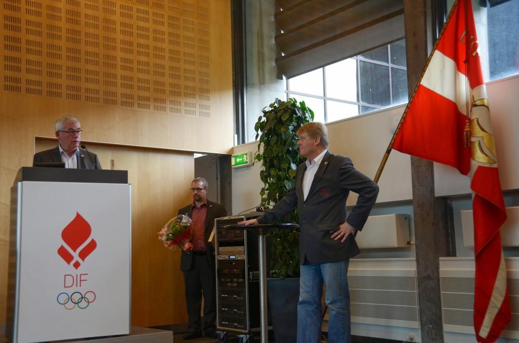 Jan Darfelt æresmedlem Årsmøde 2014